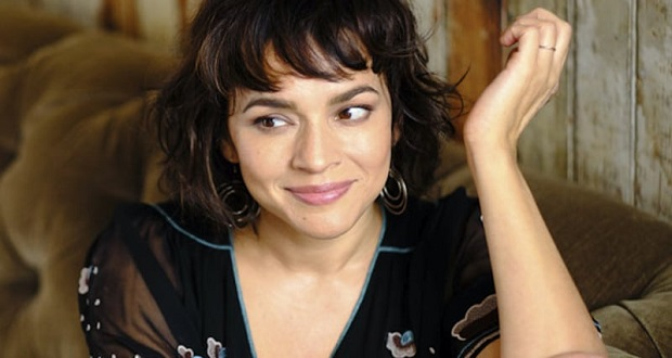 norah-jones-pick-me-up-off-the-floor